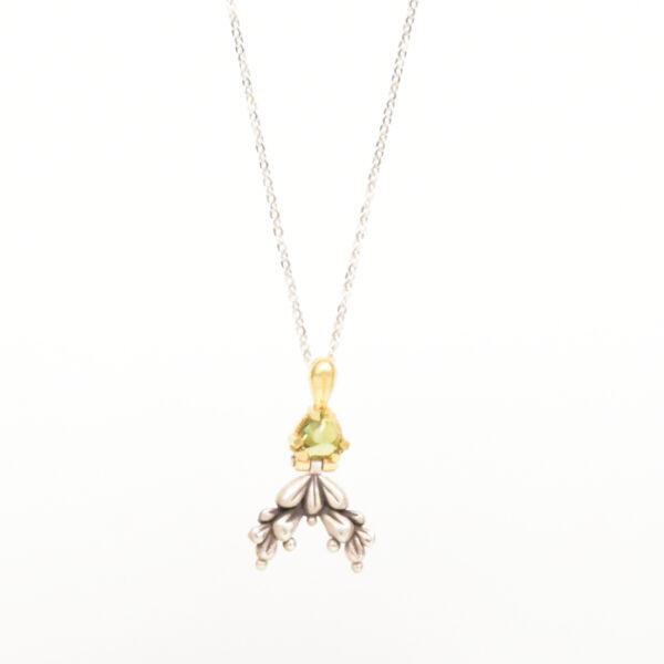Retro luxury pendant